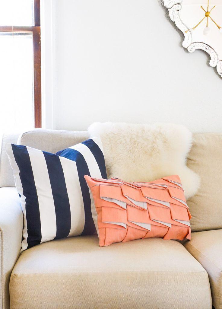 Diy Structured Pleat Lumbar Pillow by Sugar & Cloth, an award winning DIY, h...