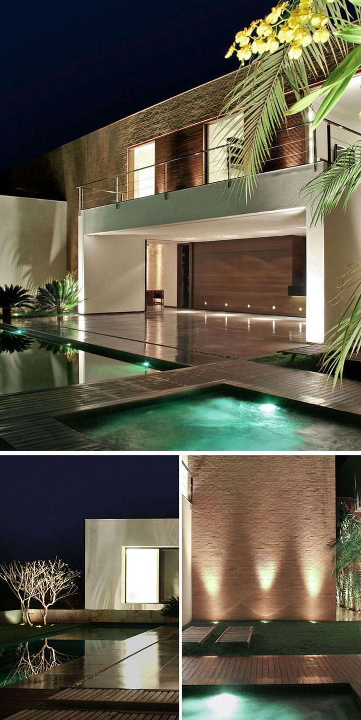 8 Outdoor Lighting Ideas To Inspire Your Spring Backyard Makeover / Uplighting -...