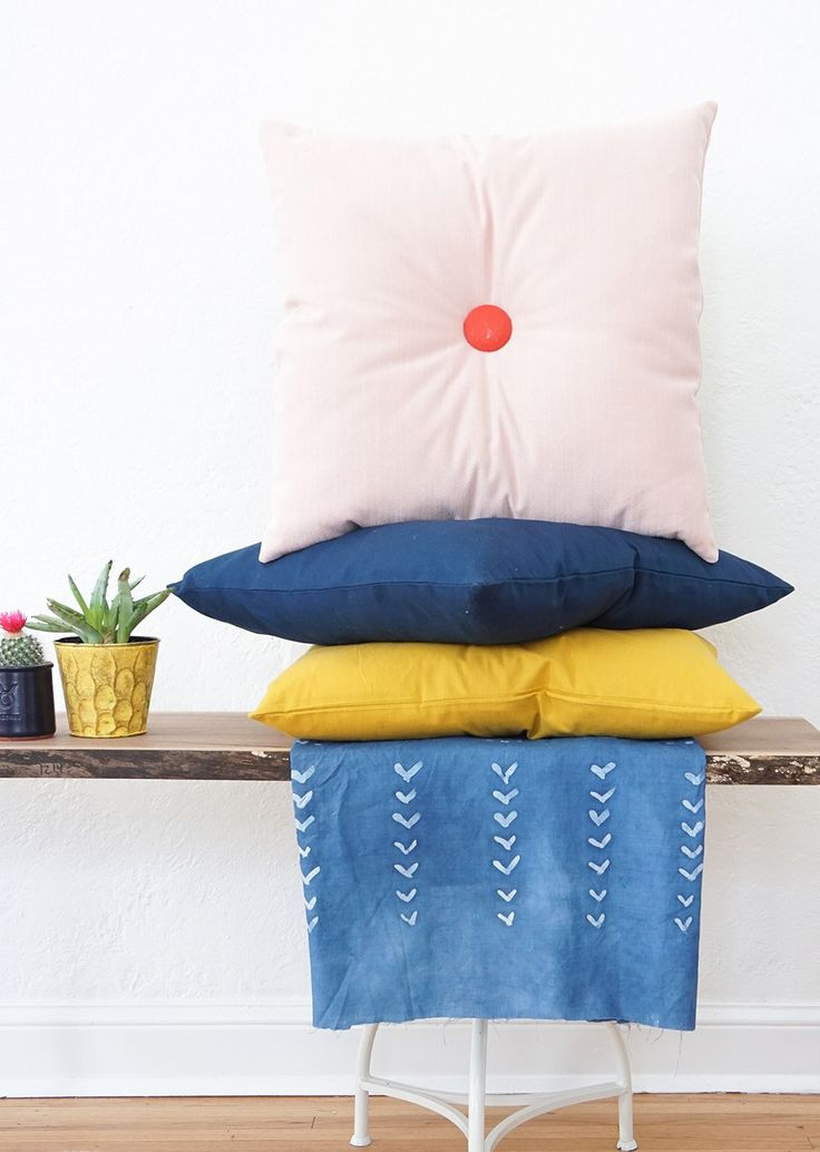 Colorful DIY tufted pillows - sugar and cloth - home decor - mid century