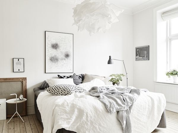 Calm white and grey in a Swedish apartment (my scandinavian home)