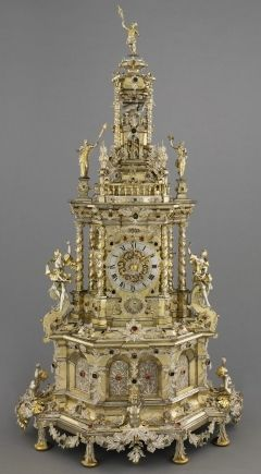 Augsburg Prunkuhr. c. 1690 Remarkable clock decorated with Silver filigree made ...