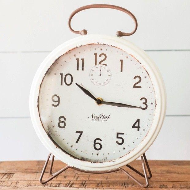 Metal Rusitc White Table Clock