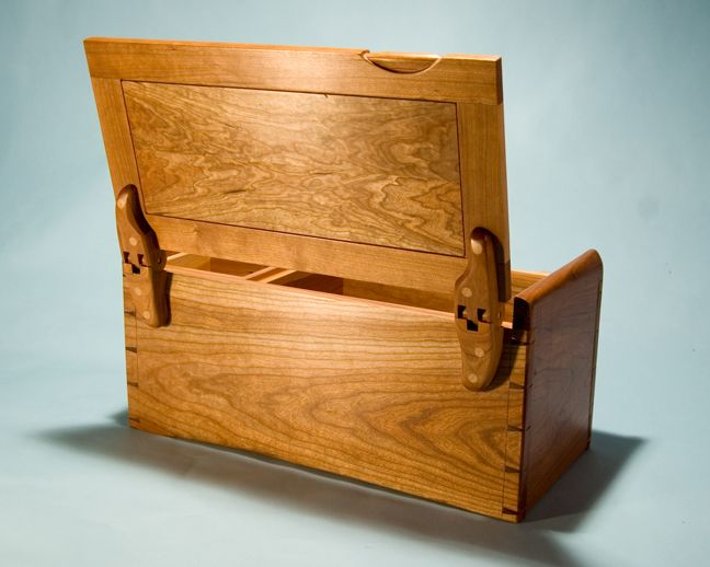 Jewelry Boxes, Gentleman's Boxes, and Trunks