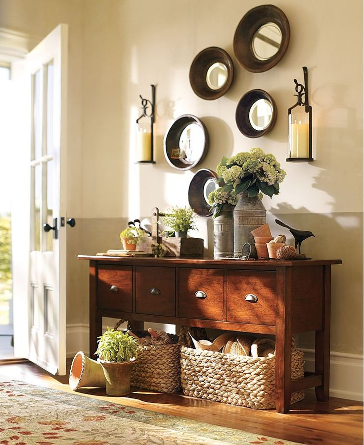 Entryway : Wall Space With Parat Bowls