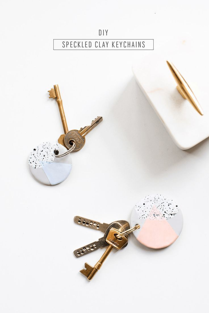 The cutest DIY speckled keychains to give your keys a colorful makeover! - sugar...