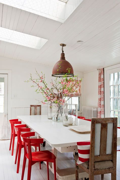 Dining room: Red & White