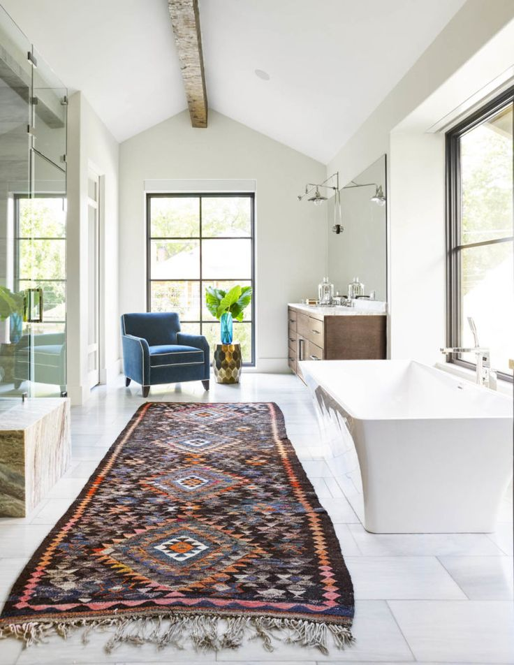 Rugs home decor large pattern runner rug in bathroom for Bathroom decor rugs