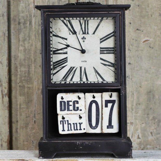 Perpetual Calendar Clock