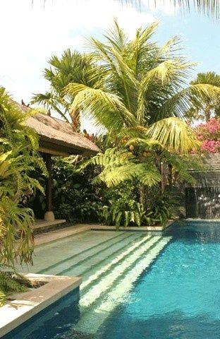 Pool design inspiration bycocoon.com | exterior design | villa design | hotel de...