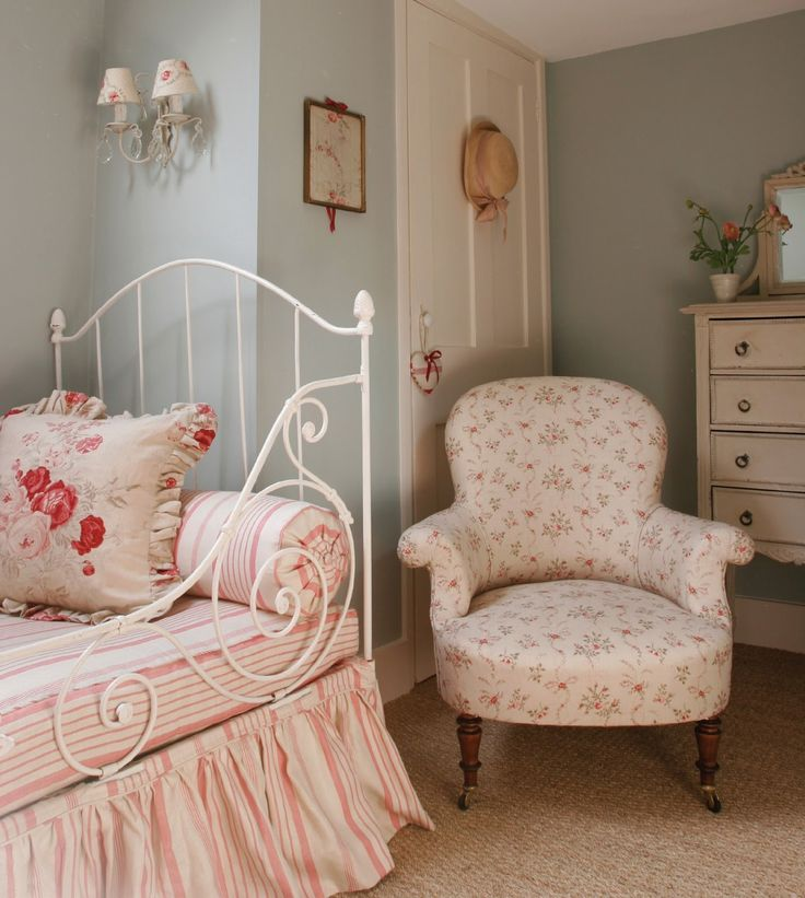 Hydrangea Hill Cottage: Kate Forman's English Country Charm...