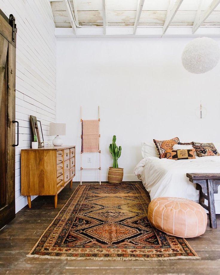 Furniture Bedrooms Wooden Floor Antique Rug White Bedding