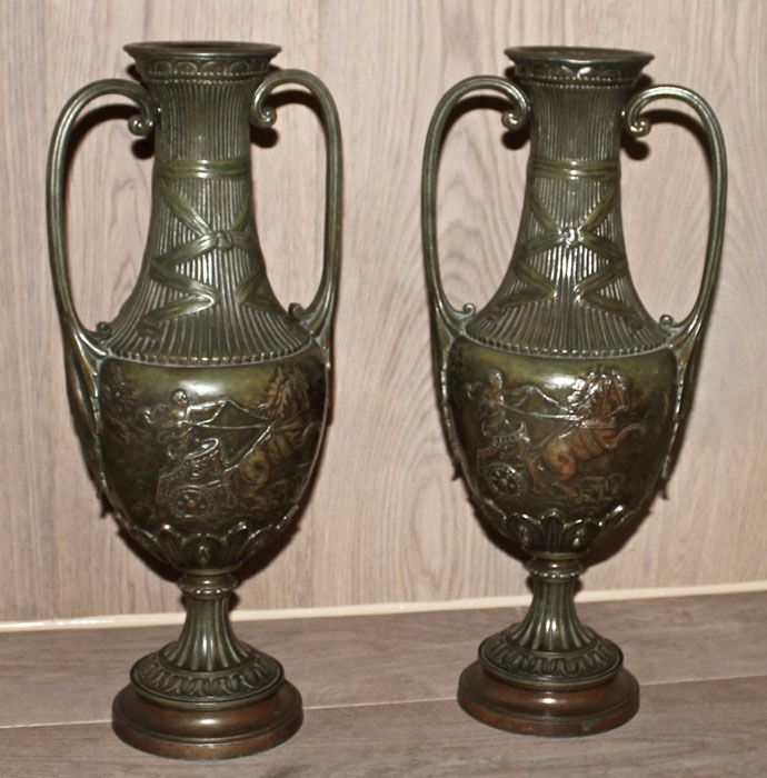 Relics sculpture motifs for the home pair beaux artes for Decorative objects for home