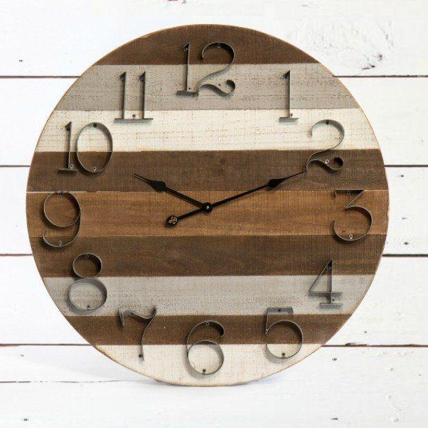 Round Wooden Pallet Clock