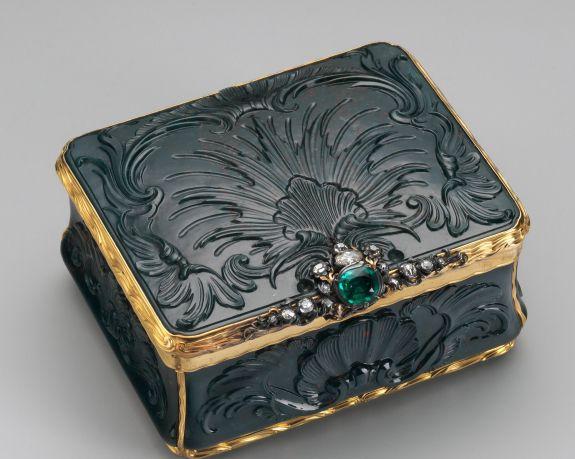Bloodstone, emerald and diamond box.