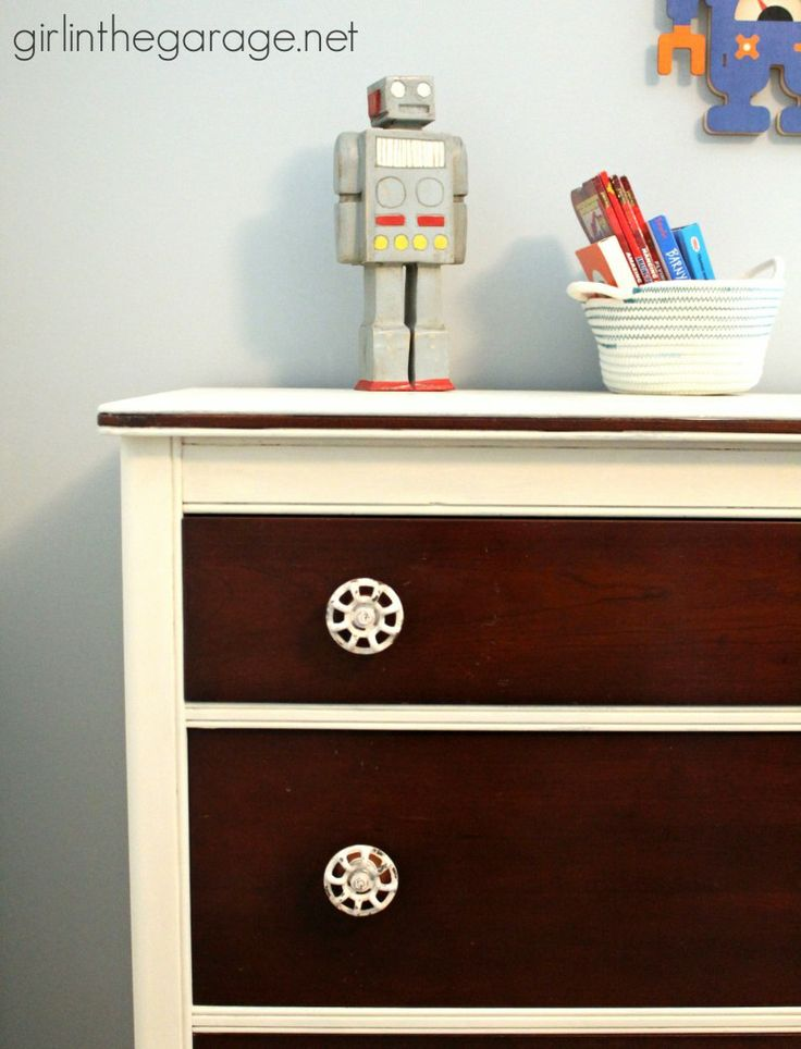 The Dresser Makeover That I'm Keeping:  A mini makeover with some Chalk Paint an...