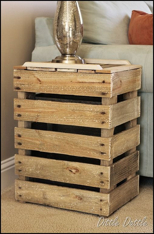 Pallet Side Table.  I love rustic furniture.