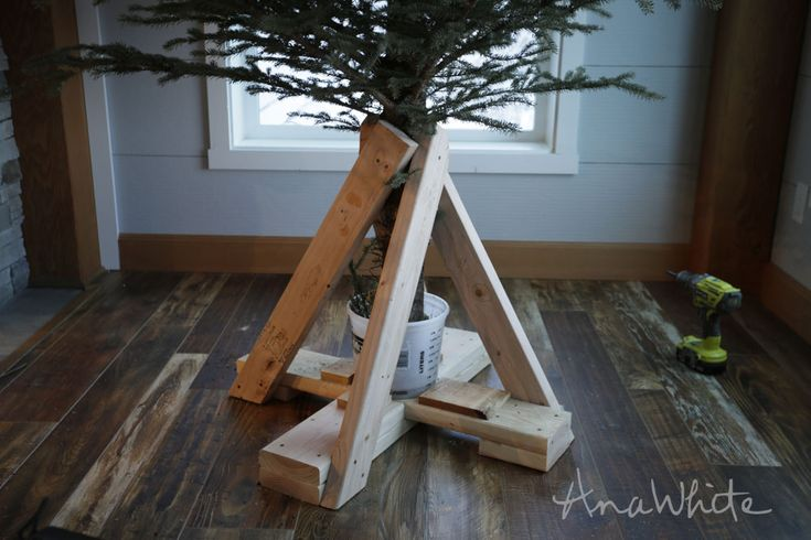 Ana White   Heavy Duty Christmas Tree Stand - DIY Projects