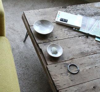 island barn coffee table with steel hairpin legs