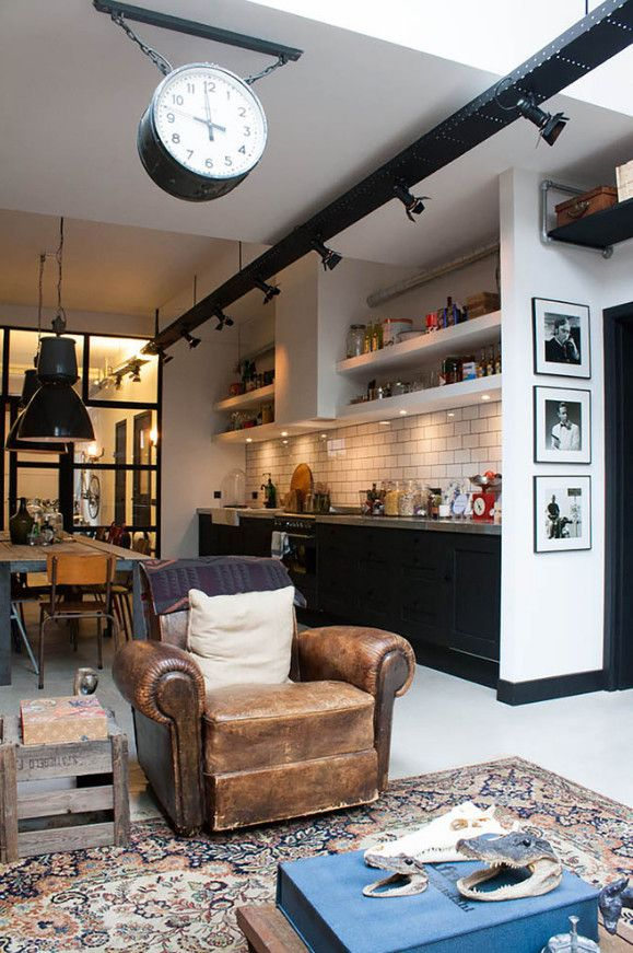 Live in a former garage in Amsterdam