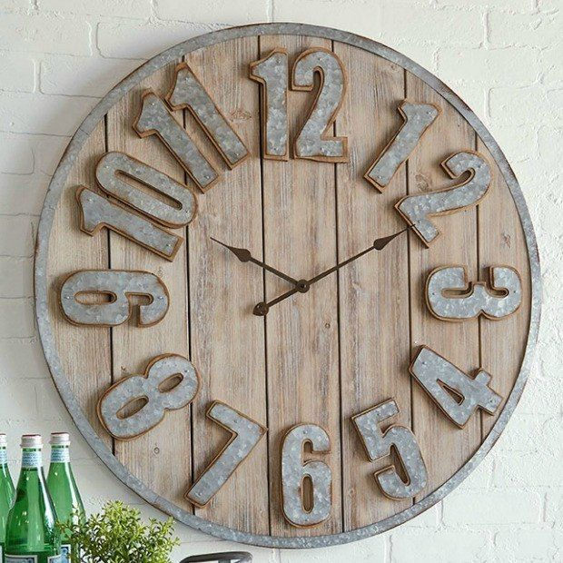 FARMHOUSE METAL AND WOOD PLANK CLOCK