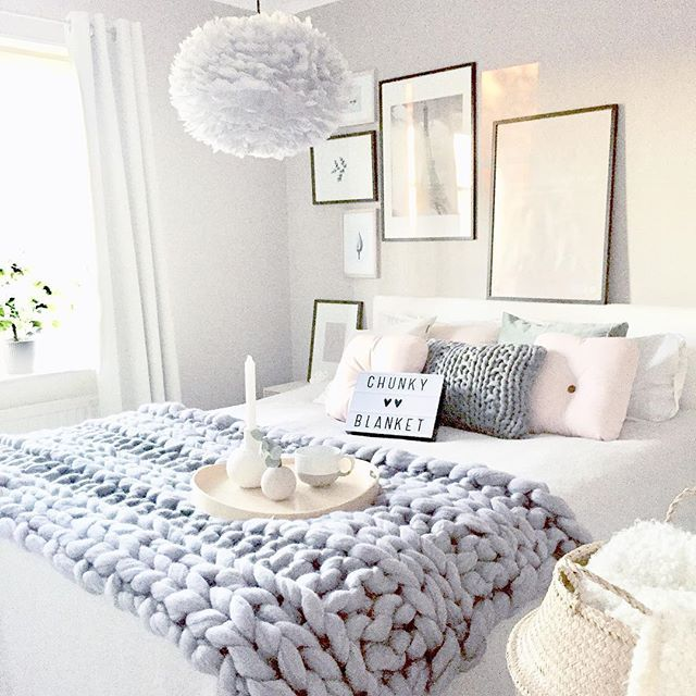 Cozy White Bedroom Love The Chunky Throw