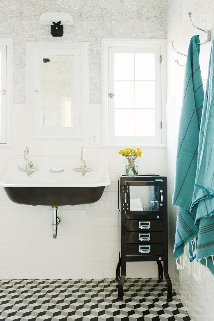 Bathroom Furniture : Black and white bathroom with hanging turquoise ...
