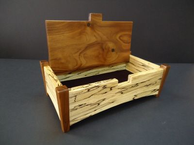 Wooden jewelry box. by Larry Squires via myperfectsetting
