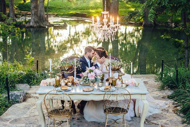 Outdoor chandelier wedding reception | Christina Carroll Photography