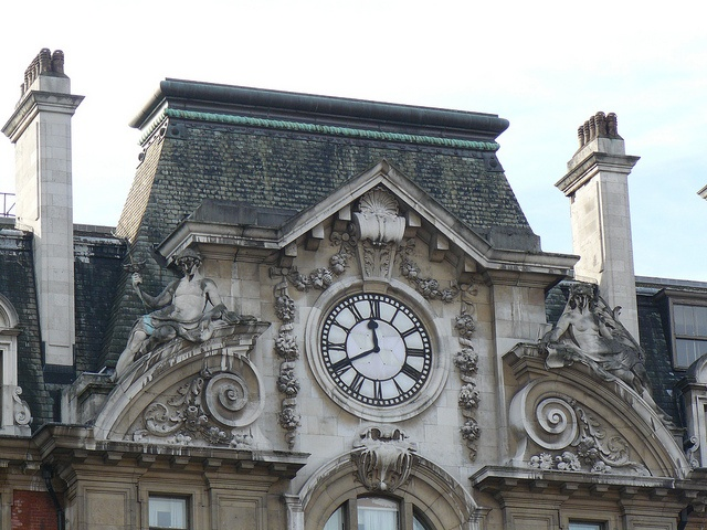 Clock above the main entrance to London Victoria Station