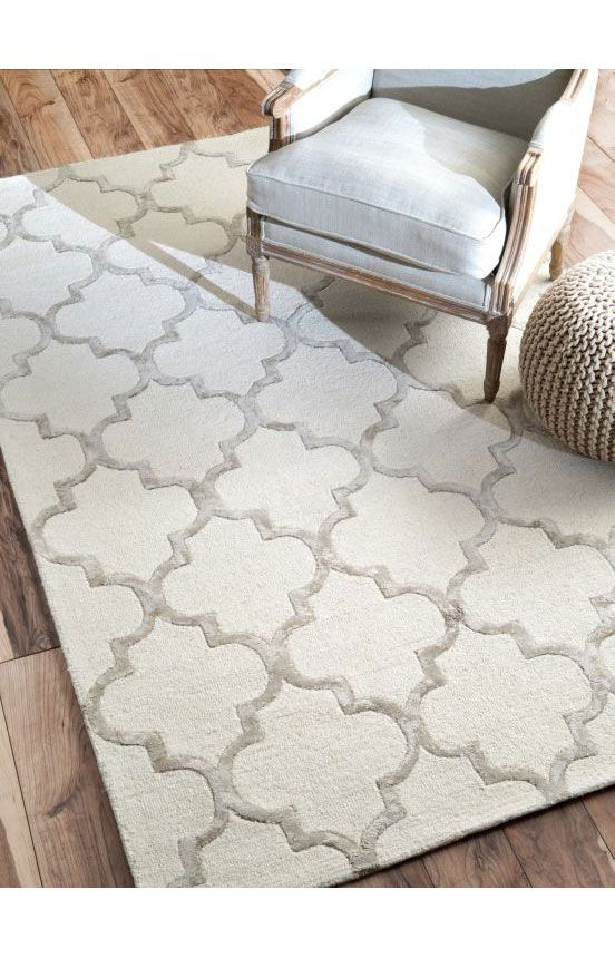 Woven with wool and faux silk within its intricate pattern, the Satara Lattice p...