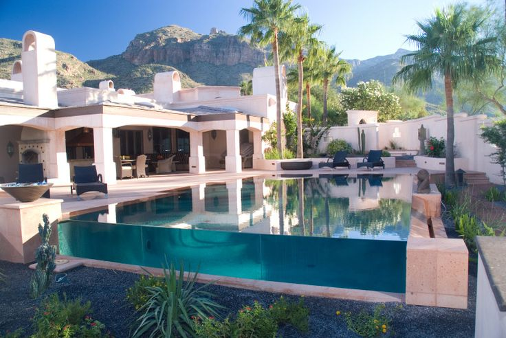 Glass-Walled Pools Offer Breathtaking Views and Create Reality Altering Design P...