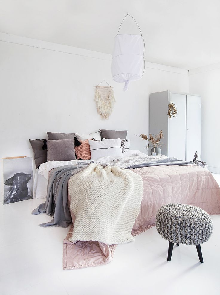 Furniture - Bedrooms : I love the knitted foot stool! Norwegian ...