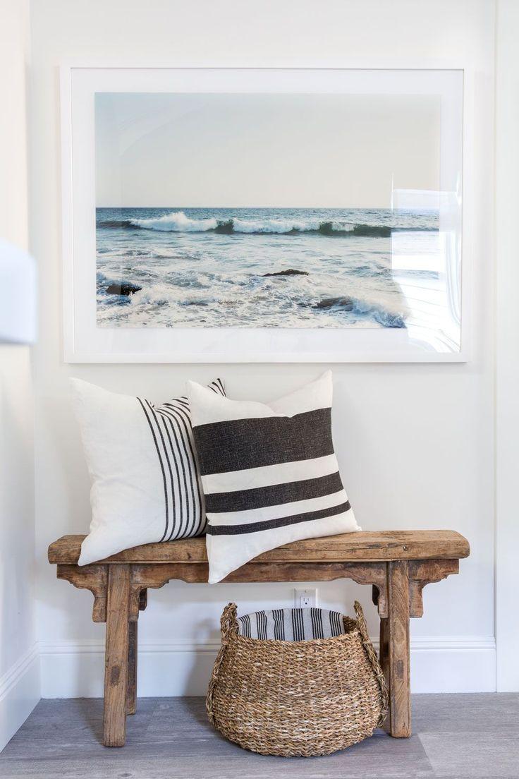 Sitting area with bench & art | Raili CA Design