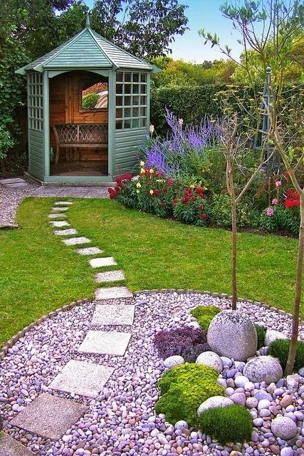 This garden design is stunning and simple. The gorgeous green seating area, the ...