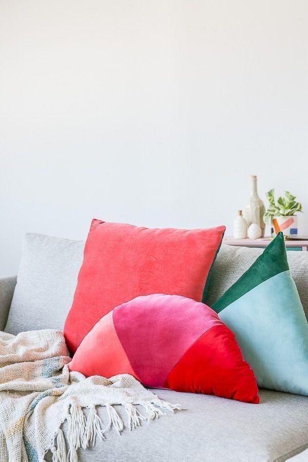 How to Make Velvet, Geometric Color Blocked Pillows #pillows #homedecor #velvet