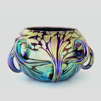 A Loetz vase with pulled handles