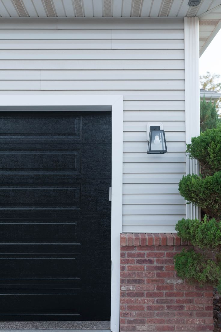 How to paint garage doors with Turbo Spray Paint the easy way | All Things Thrif...