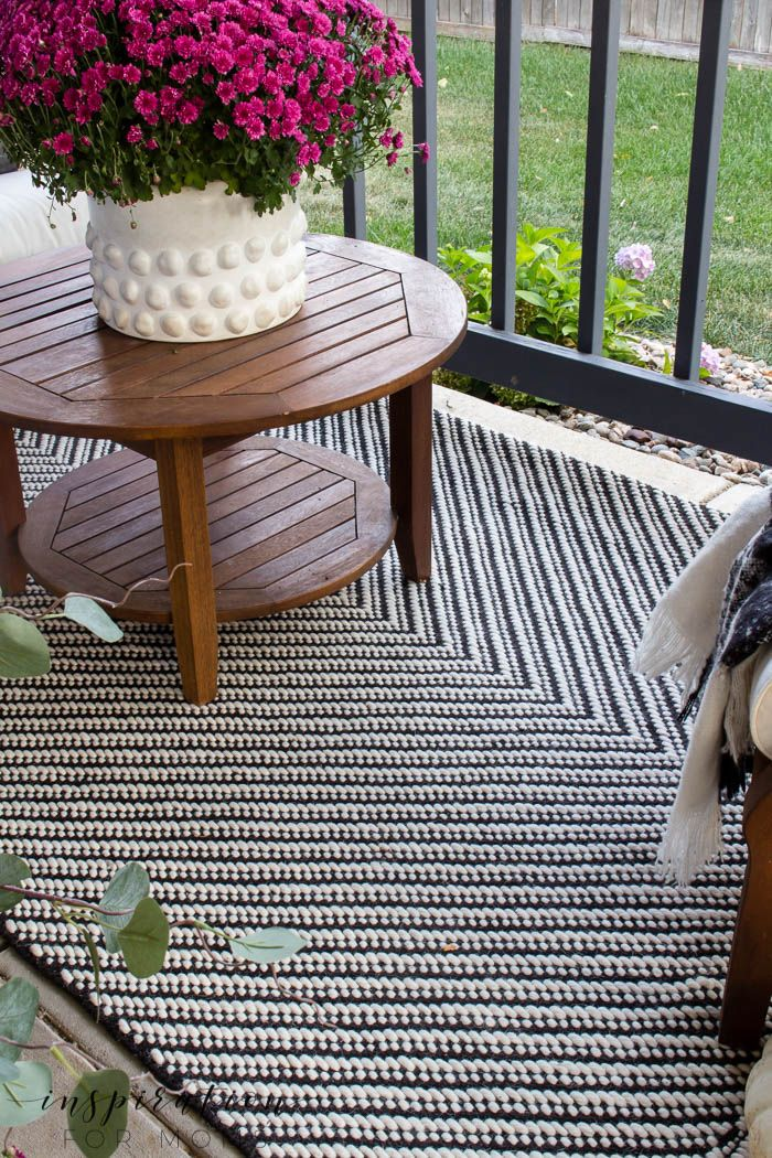 With a few simple items, it's easy to create a beautiful fall front porch th...