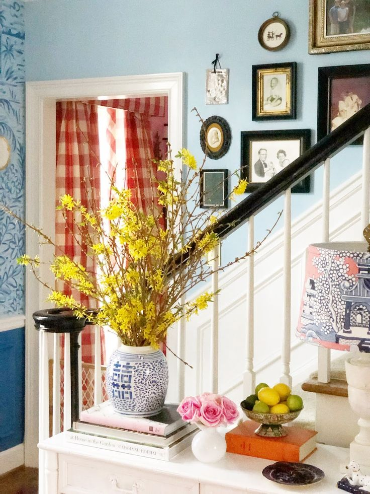 the pink clutch ...: Adventure Refresh || Stairs + Hallway Reveal