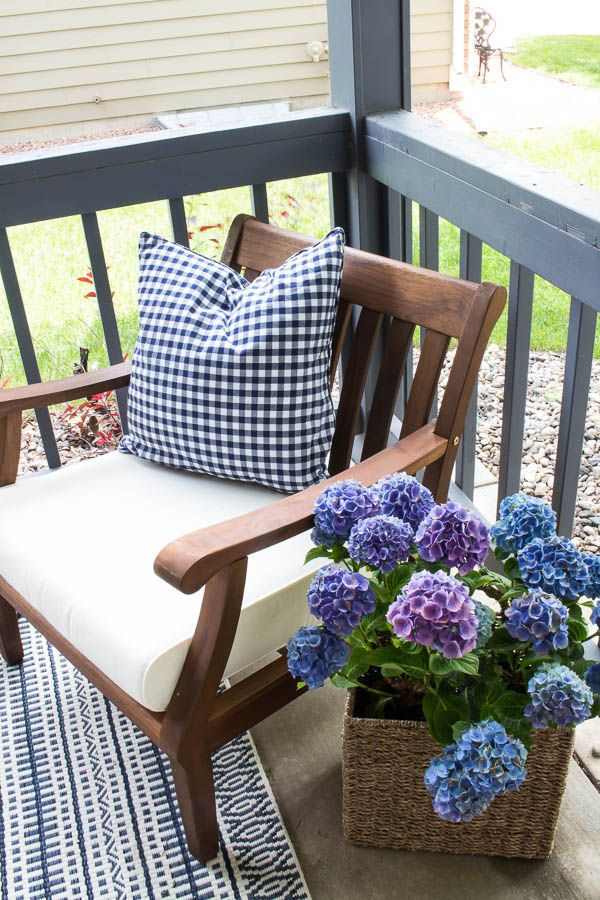 It's time for some curb appeal ideas! Discover fabulous do it yourself proje...