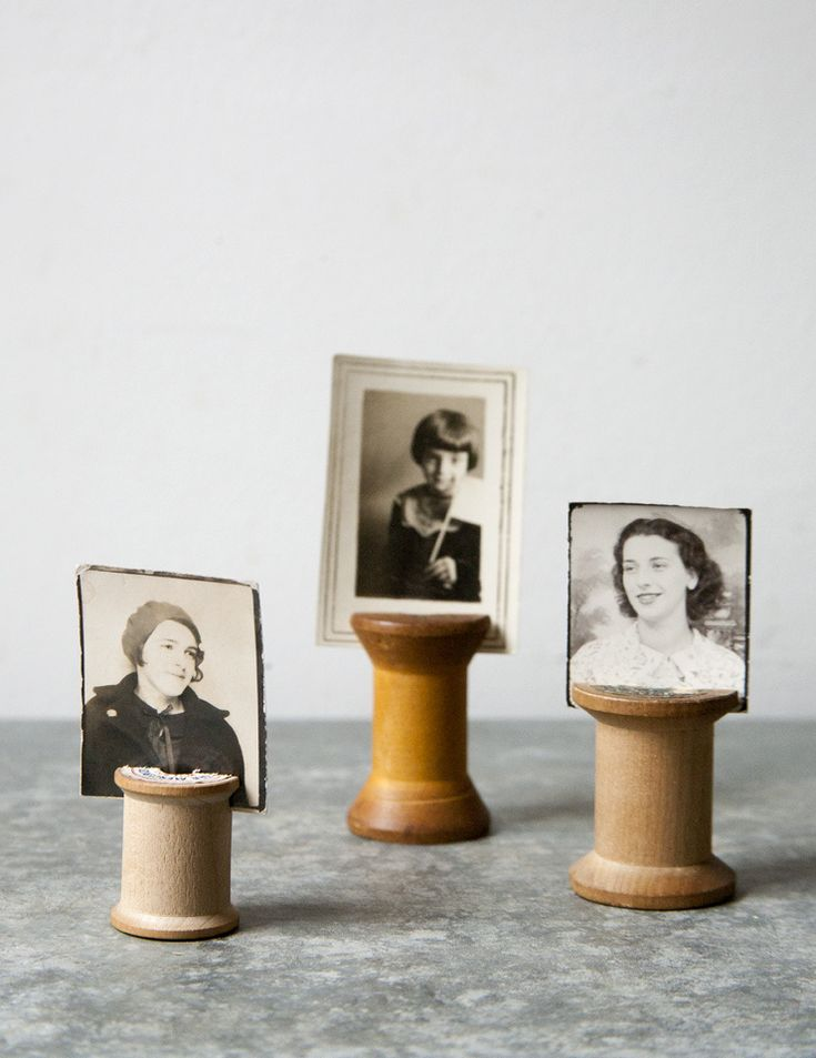 DIY: vintage wooden spool photo holders