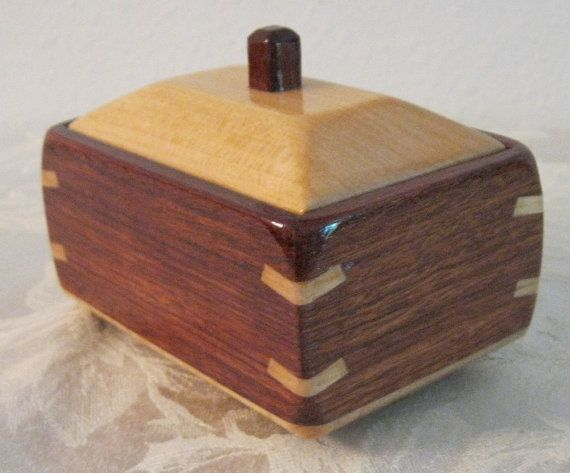 Decorative wooden box made of bubinga and maple wood. 5