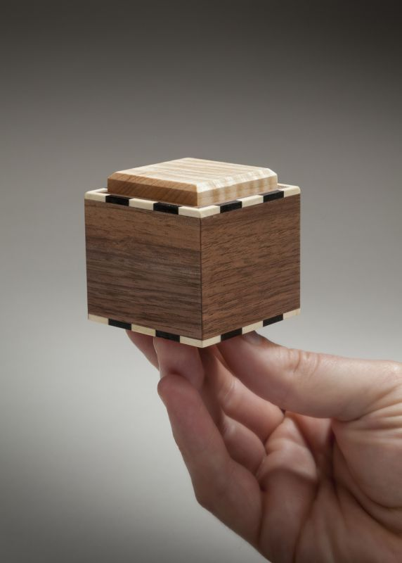 boxes_small_hand.jpg (572×800)