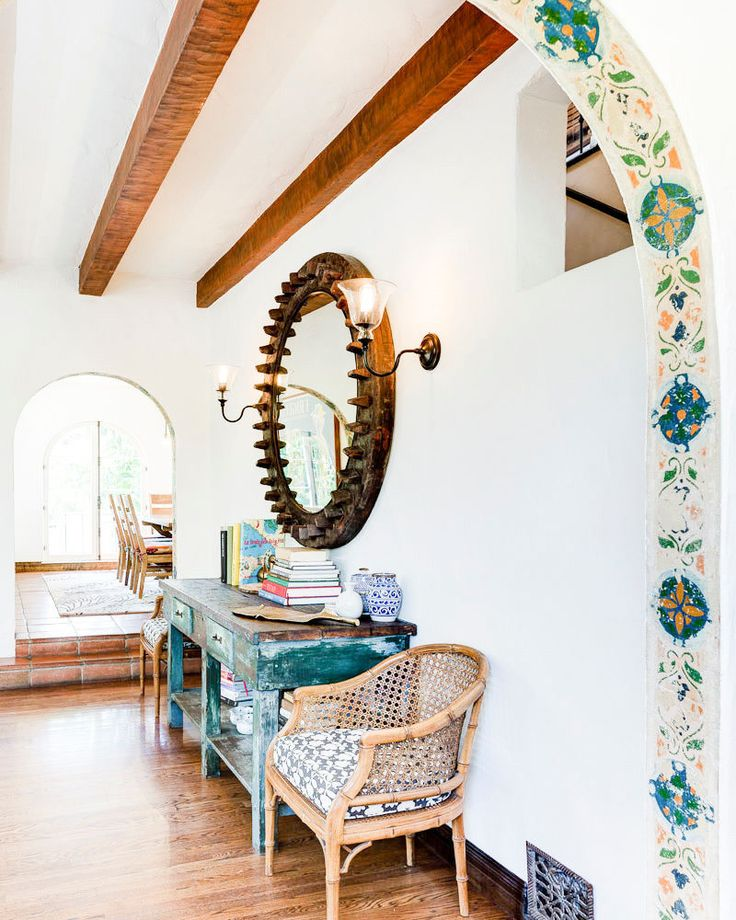 Spanish door frame with tile