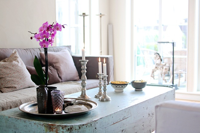 love the light blueish painted table with gray and white