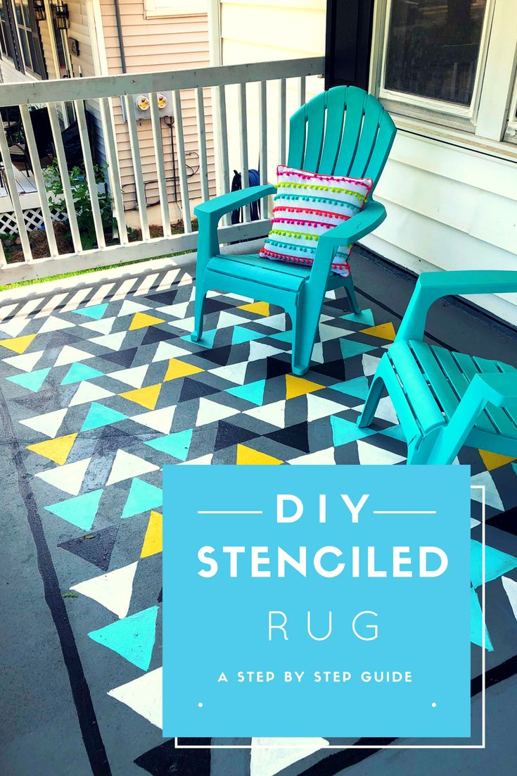 DIY Stenciled outdoor rug #stencil #folkart #outdoorrug #triangle