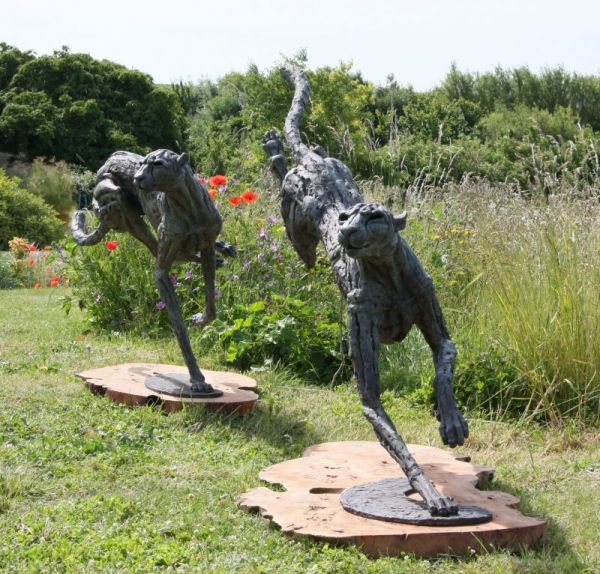 #Bronze lost wax #sculpture by #sculptor Jan Sweeney titled: 'Big Landing Cheeta...