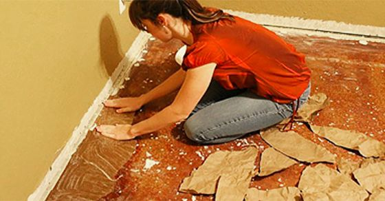 When She Started Gluing Paper To The Floor, I Was Confused… Until I Saw The En...