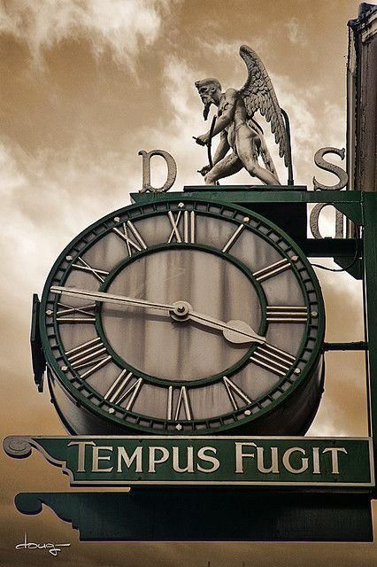 Tempus Fugit Dyson Clock, Briggate - Leeds, yorkshire