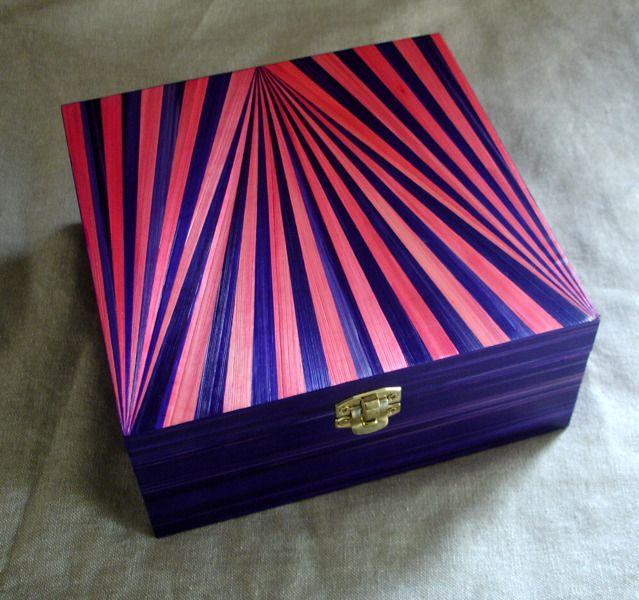 Boîte à thé en marqueterie de paille rayée rose et violette : Cuisine et ser...